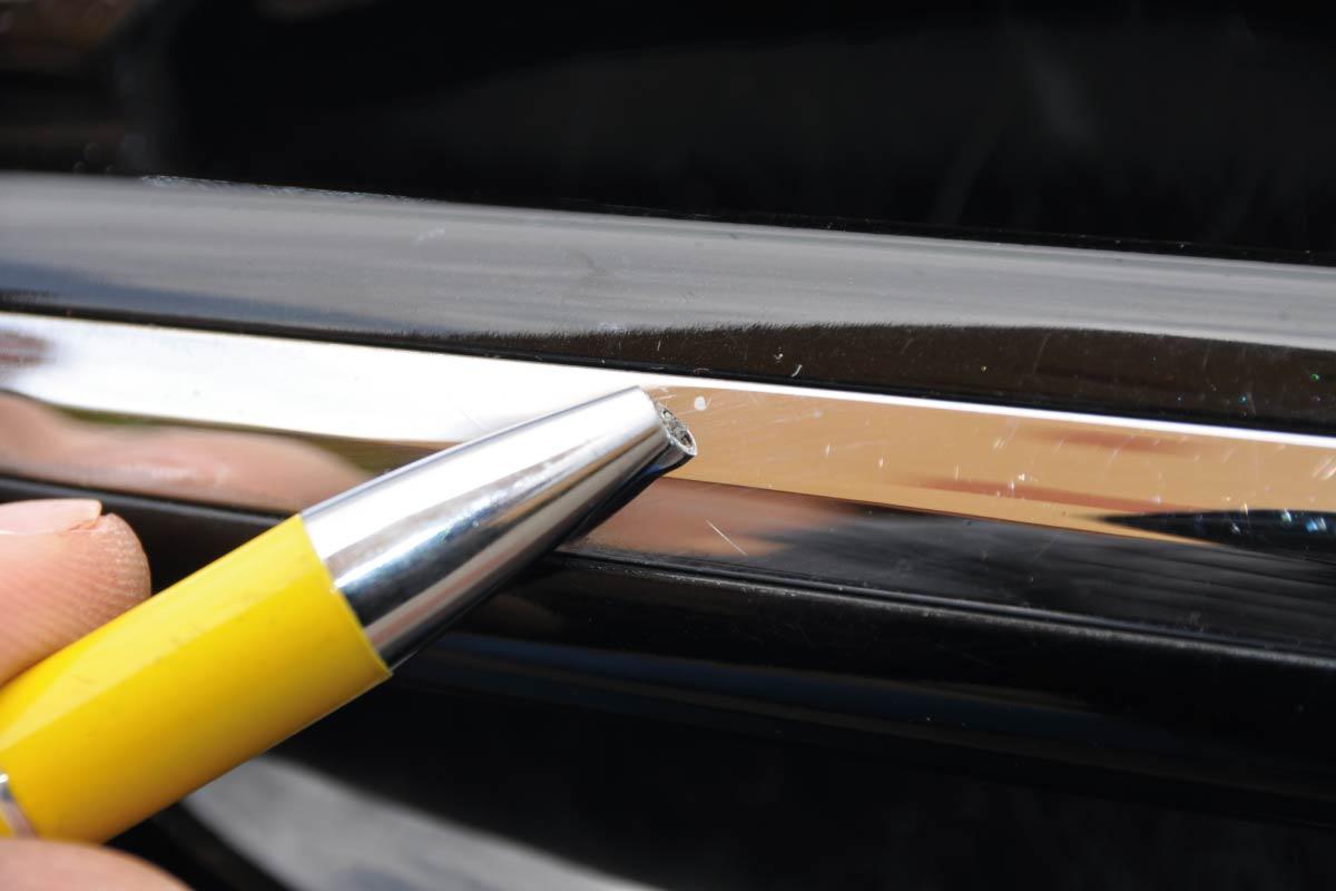 elementy chromowane noszące ślady pyłów poprodukcyjnych 04