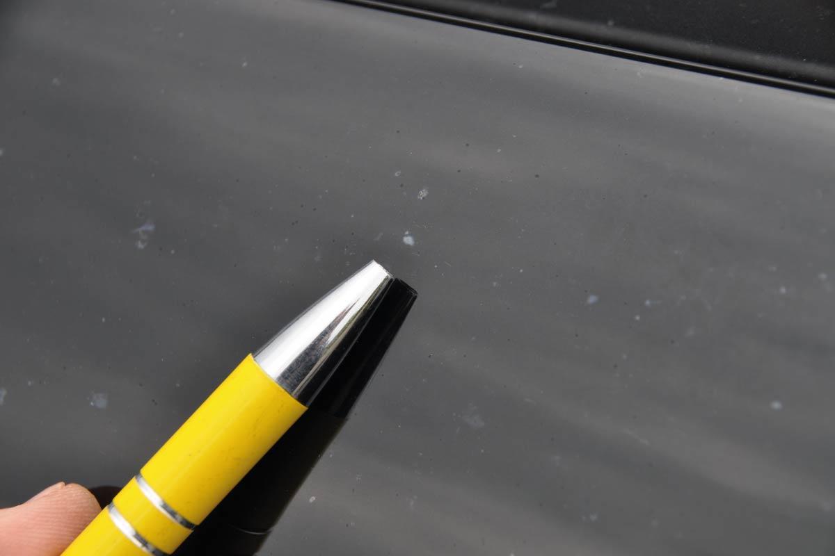 karoseria samochodowa zniszczona przezszkody chemiczne 08