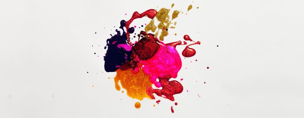 Kolorowe plamy z farby.