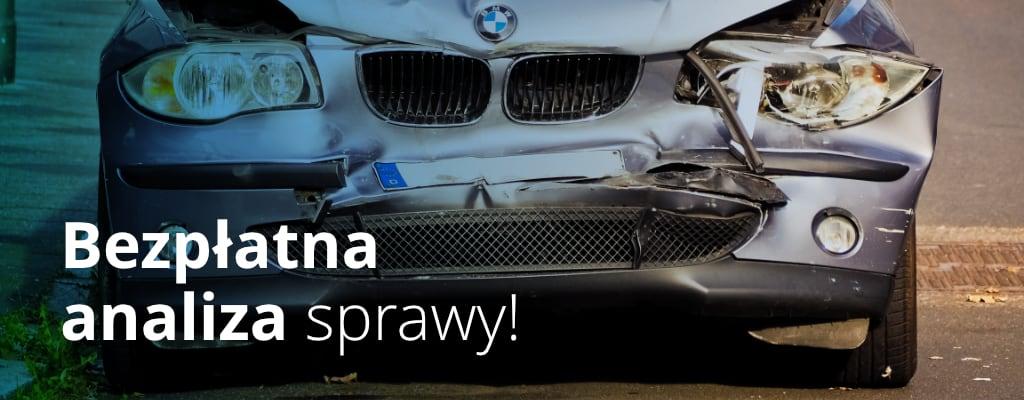 Rozbity przód samochodu marki BMW
